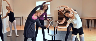 Ballet dancers join breast cancer survivor Katherine for world's first 'Ballethon'