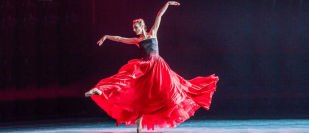 Royal Ballet mixed bill review – Scarlett and Yanowsky deliver a mesmerising melodrama