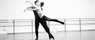 Birmingham Royal Ballet principal dancer brings live dance to Birmingham's Queen Elizabeth Hospital